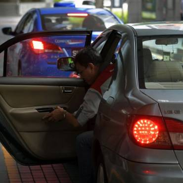 ComfortDelGro to acquire 51 per cent stake in Uber's rental car business