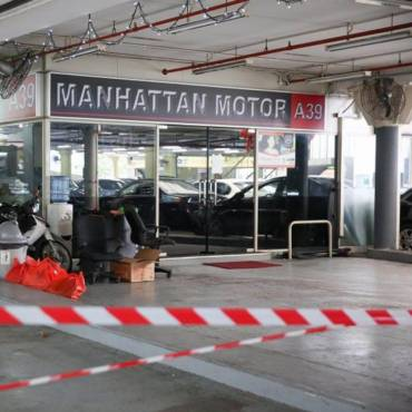 Manhattan Motor shuts down, car buyers may lose tens of thousands of dollars