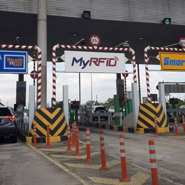 EZ-Link Meets Touch 'n Go: This New Card Pays For Tolls And Parking In S'pore, M'sia