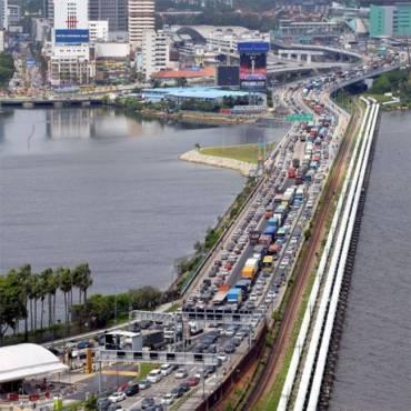 Singapore-Johor carpool service: Unlicensed vehicles cannot provide cross-border services, says LTA